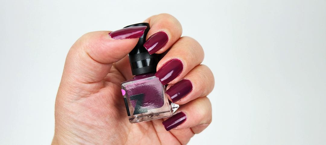 Friday I´m in Love with iZ Nailpolish
