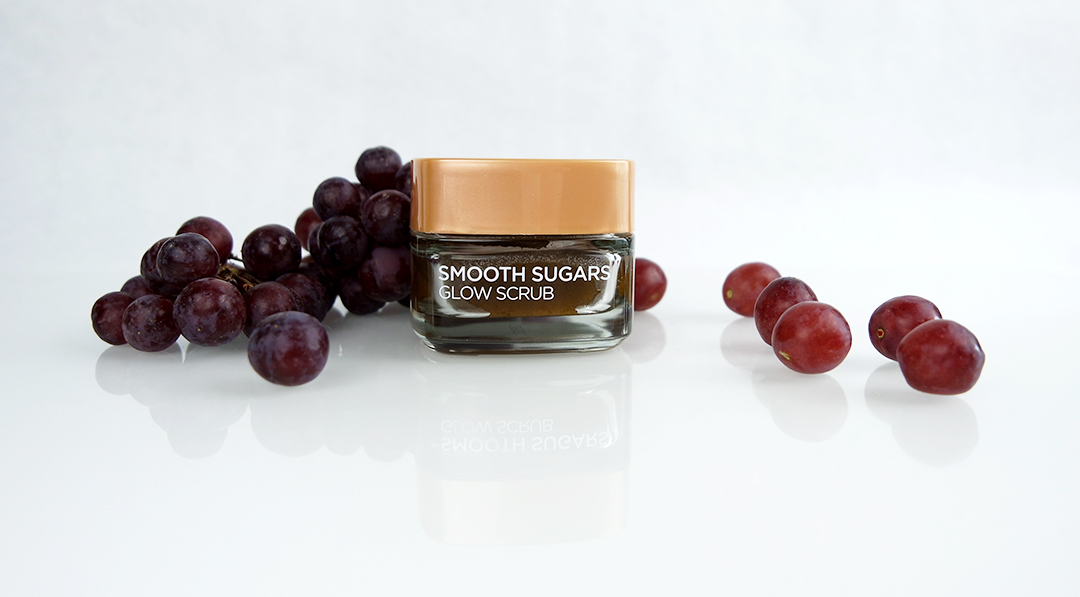 L'oréal Smooth Sugars Glow scrub - Polishes, Boosts Radiance