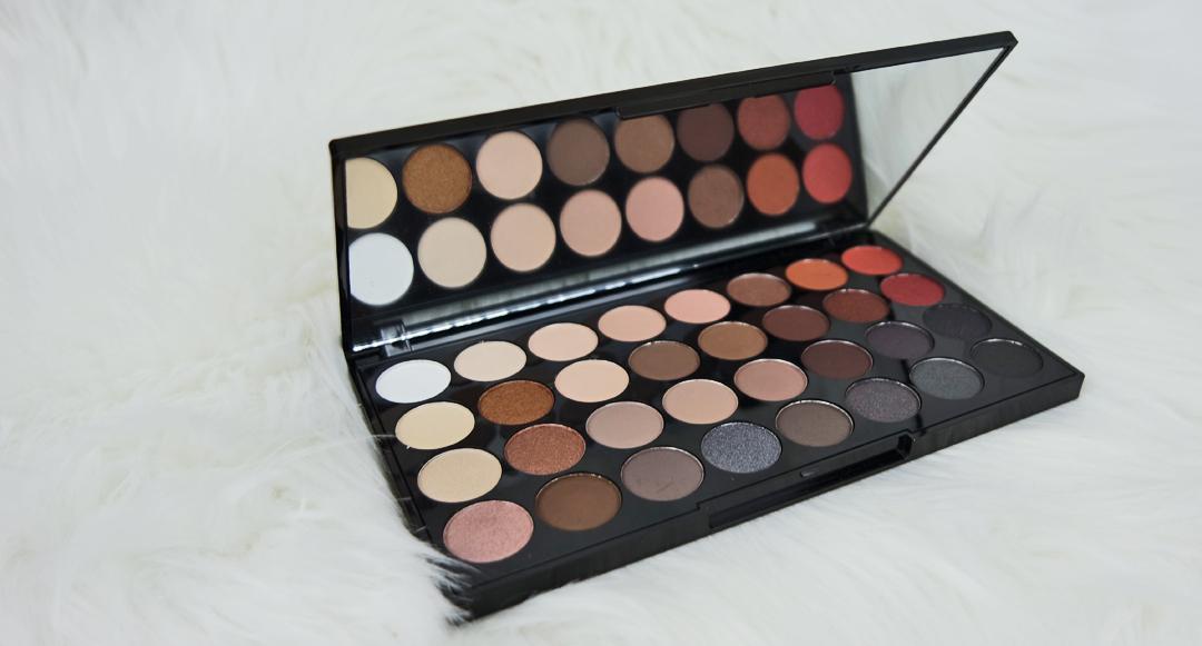 Vackra ögon med Makeup Revolution Eyeshadow Palett Flawless Matte 2