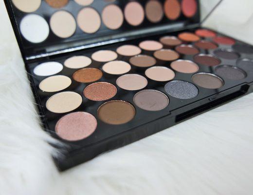 Vackra ögon från Makeup Revolution Eyeshadow Palett Flawless Matte 2